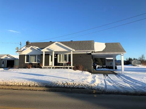 Maison à vendre à Saint-Aimé-des-Lacs, Capitale-Nationale, 178, Rue  Principale, 10733406 - Centris.ca