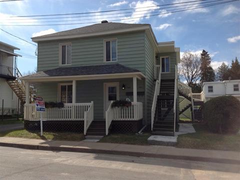 Duplex à vendre à Lachute, Laurentides, 406 - 406A, Rue  Robert, 26881708 - Centris.ca