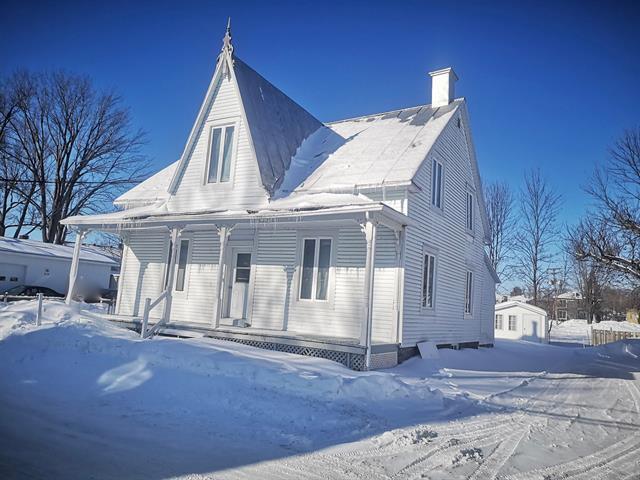 Duplex à vendre à Sainte-Anne-de-la-Pérade, Mauricie, 81 - 83, Rue  Marcotte, 26093551 - Centris.ca