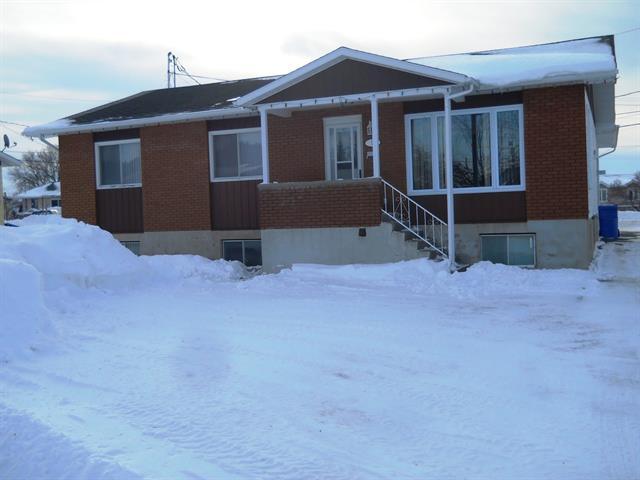 Triplex à vendre à Ville-Marie (Abitibi-Témiscamingue), Abitibi-Témiscamingue, 10, Rue  Létourneau, 24091777 - Centris.ca