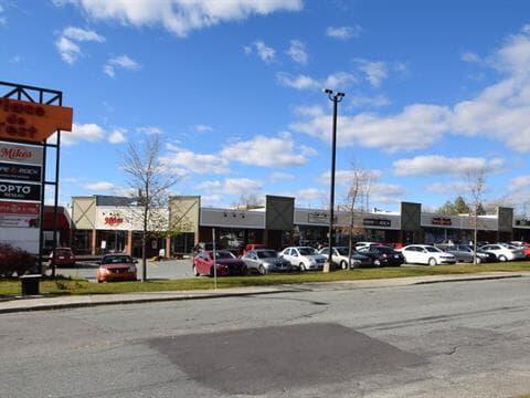 Local commercial à louer à Sherbrooke (Fleurimont), Estrie, 737, Rue  King Est, 12043076 - Centris.ca
