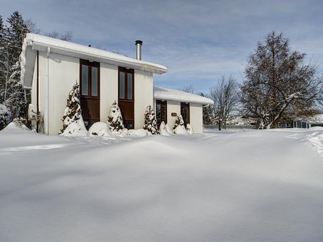 Maison à vendre à Saguenay (Chicoutimi), Saguenay/Lac-Saint-Jean, 112, Rue  Casault, 22744796 - Centris.ca