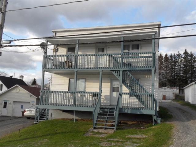 Duplex à vendre à Windsor, Estrie, 18 - 20, 1re Avenue, 11543702 - Centris.ca