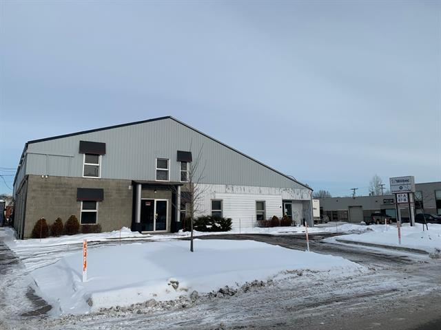 Bâtisse industrielle à vendre à Repentigny (Repentigny), Lanaudière, 87A - 87B, Rue  Laroche, 21973043 - Centris.ca