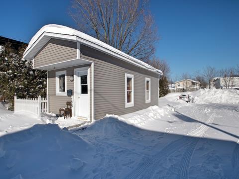 Maison à vendre à Magog, Estrie, 245, Rue  Sainte-Marie, 17269883 - Centris.ca