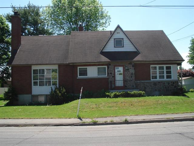 Triplex for sale in Salaberry-de-Valleyfield, Montérégie, 135 - 137, Rue  Marie-Rose, 23826594 - Centris.ca