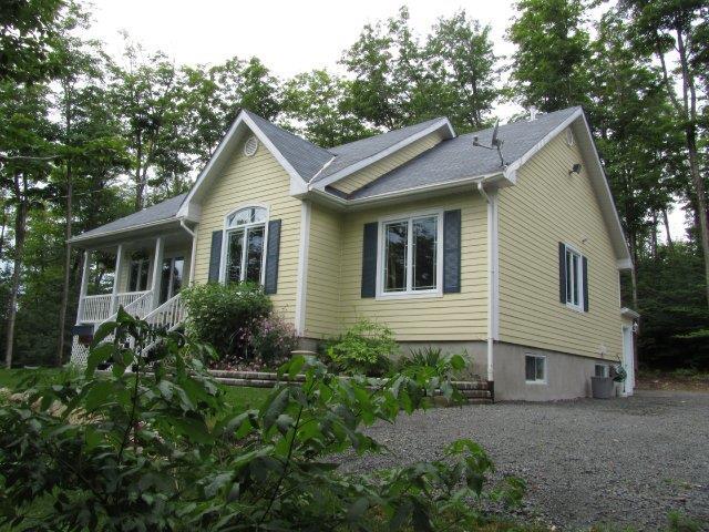 Maison à vendre à Sainte-Marguerite-du-Lac-Masson, Laurentides, 105, Rue des Cimes, 18007385 - Centris.ca