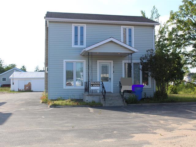 Maison à vendre à Forestville, Côte-Nord, 104, Route  138 Ouest, 11373950 - Centris.ca