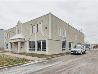 Bâtisse industrielle à vendre à Terrebonne (Terrebonne), Lanaudière, 990, Rue  Armand-Bombardier, 13842969 - Centris.ca