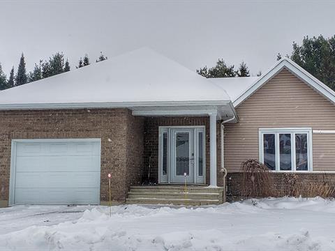 Maison à vendre à Kingsey Falls, Centre-du-Québec, 331, Rue  Roux, 18591507 - Centris.ca