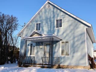 Cottage for sale in Deschaillons-sur-Saint-Laurent, Centre-du-Québec, 125, 18e Avenue, 14046546 - Centris.ca