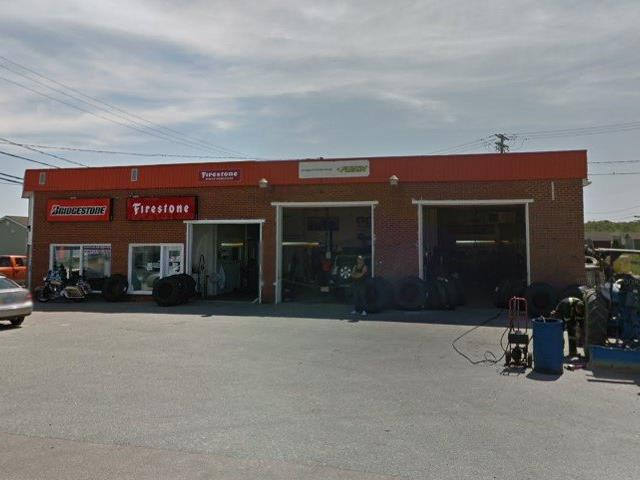 Bâtisse commerciale à vendre à Saint-Félicien, Saguenay/Lac-Saint-Jean, 915, boulevard du Sacré-Coeur, 11098595 - Centris.ca