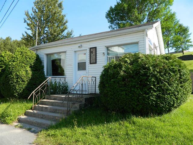 Bâtisse commerciale à vendre à Hébertville, Saguenay/Lac-Saint-Jean, 591, Rue  Vézina, 15539270 - Centris.ca