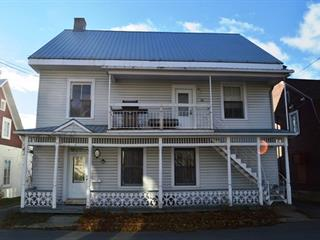 Duplex à vendre à Sainte-Anne-de-la-Pérade, Mauricie, 80 - 82, Rue  Sainte-Anne, 17628537 - Centris.ca