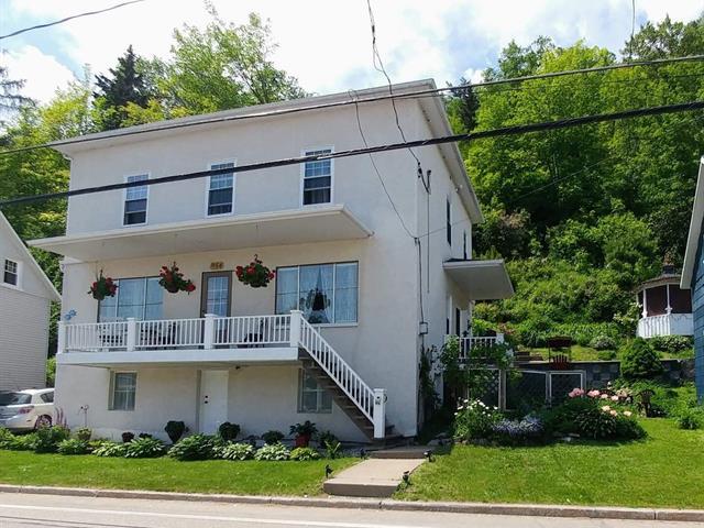 House for sale in Petite-Rivière-Saint-François, Capitale-Nationale, 954, Rue  Principale, 25079223 - Centris.ca