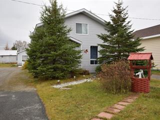 Triplex for sale in La Sarre, Abitibi-Témiscamingue, 15 - 17A, 1re Avenue Ouest, 28926995 - Centris.ca