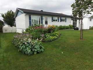 House for sale in Baie-Comeau, Côte-Nord, 1455, Rue  Hulaud, 9258056 - Centris.ca