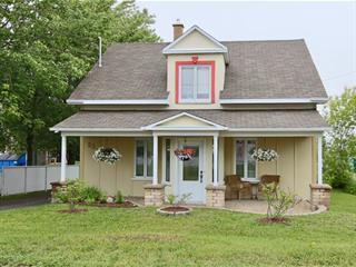 Maison à vendre à Saint-Anaclet-de-Lessard, Bas-Saint-Laurent, 52, Rue  Principale Est, 13147942 - Centris.ca