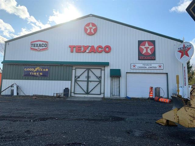 Commercial building for sale in Saint-Cyrille-de-Wendover, Centre-du-Québec, 6401 - 6395, Route  122, 15353394 - Centris.ca