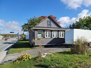 Maison à vendre à Sherbrooke (Fleurimont), Estrie, 3122, Rue  King Est, 11281970 - Centris.ca