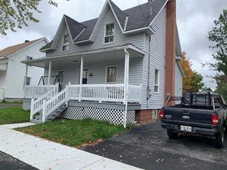 Maison à vendre à Lac-Mégantic, Estrie, 4894, Rue  Champlain, 15688410 - Centris.ca