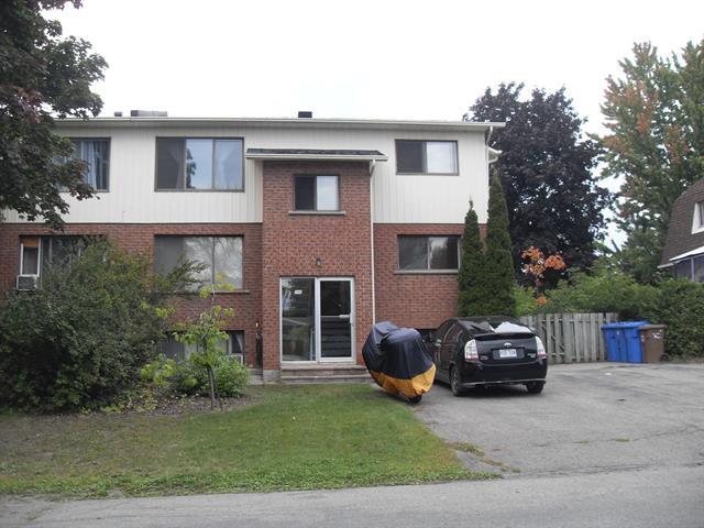Triplex for sale in Saint-Eustache, Laurentides, 247 - 251, Rue  Picard, 28208391 - Centris.ca