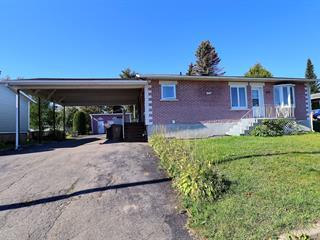Maison à vendre à Dolbeau-Mistassini, Saguenay/Lac-Saint-Jean, 485, Rue  Molière, 10811228 - Centris.ca