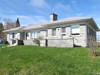 Immeuble à revenus à vendre à Louiseville, Mauricie, 30Z, boulevard  Comtois, 14975365 - Centris.ca