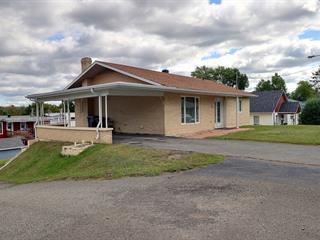 Maison à vendre à Témiscouata-sur-le-Lac, Bas-Saint-Laurent, 732, Rue  Villeneuve, 17633491 - Centris.ca