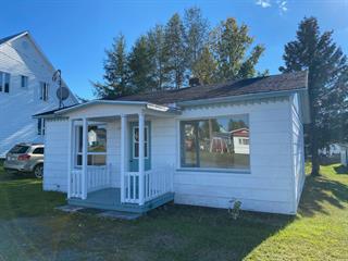 Maison à vendre à Saint-Hubert-de-Rivière-du-Loup, Bas-Saint-Laurent, 10, Rue  Saint-Jean-Baptiste, 27173551 - Centris.ca