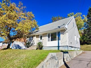 Maison à vendre à Baie-Comeau, Côte-Nord, 26, Avenue  De Maisonneuve, 11210933 - Centris.ca