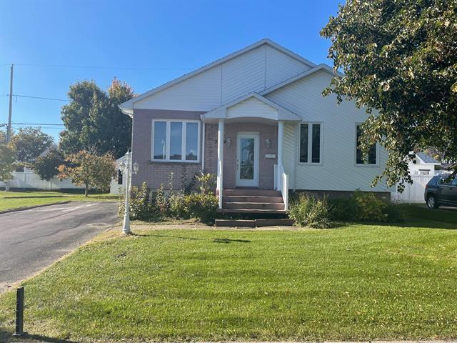 Maison à vendre à Saguenay (Jonquière), Saguenay/Lac-Saint-Jean, 3769, Rue de Belfort, 25251188 - Centris.ca