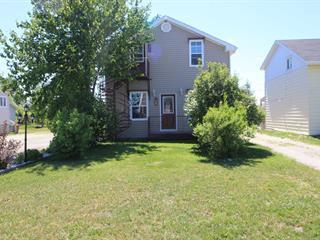 Duplex à vendre à Senneterre - Ville, Abitibi-Témiscamingue, 470 - 472, 12e Avenue, 26872801 - Centris.ca