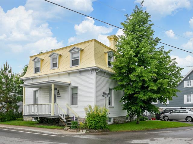 Immeuble à revenus à vendre à Saint-Casimir, Capitale-Nationale, 195, Rue  Tessier Ouest, 13082315 - Centris.ca