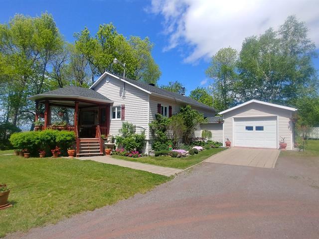 House for sale in Saint-Jean-Port-Joli, Chaudière-Appalaches, 392, Avenue  De Gaspé Ouest, 21884526 - Centris.ca