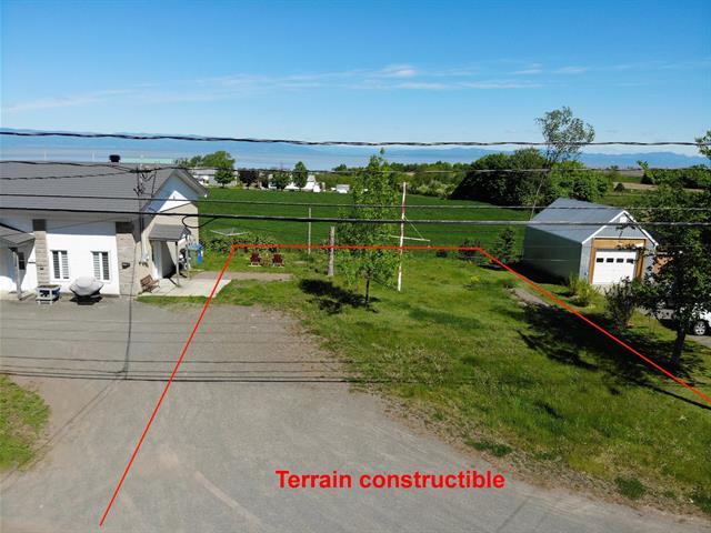 Terrain à vendre à Saint-Jean-Port-Joli, Chaudière-Appalaches, Avenue  De Gaspé Ouest, 17219764 - Centris.ca