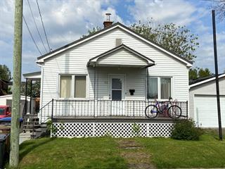 Maison à vendre à Saint-Jean-sur-Richelieu, Montérégie, 142, Rue  Dollard, 22476837 - Centris.ca