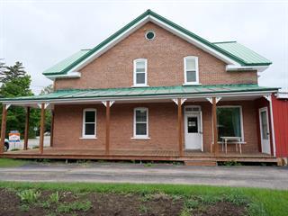 House for sale in Mont-Laurier, Laurentides, 600Z, Rue  Frontenac, 10028048 - Centris.ca