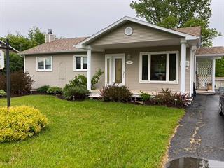 Maison à vendre à Magog, Estrie, 856, Rue  Monseigneur-Larocque, 25049878 - Centris.ca