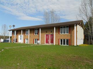Triplex à vendre à Saint-Vianney, Bas-Saint-Laurent, 455, Avenue  Centrale, 15349479 - Centris.ca