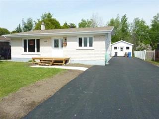 House for sale in Dolbeau-Mistassini, Saguenay/Lac-Saint-Jean, 2076, Rue  Evans, 17296043 - Centris.ca