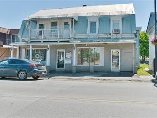 Triplex à vendre à Sainte-Anne-des-Plaines, Laurentides, 194, boulevard  Sainte-Anne, 19801206 - Centris.ca