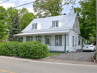 House for sale in Sainte-Pétronille, Capitale-Nationale, 8306, Chemin  Royal, 20548354 - Centris.ca
