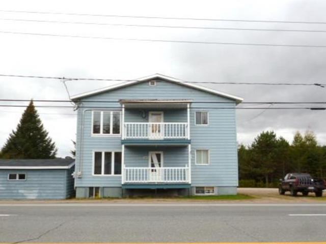 Duplex à vendre à Saint-Roch-de-Mékinac, Mauricie, 1371 - 1375, Route  Ducharme, 16531695 - Centris.ca