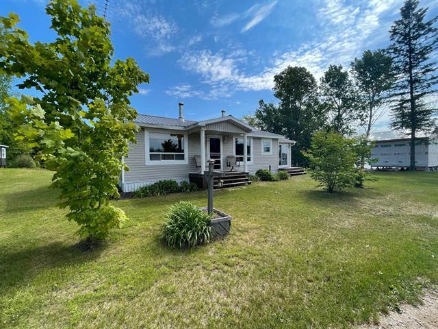 Chalet à vendre à Mansfield-et-Pontefract, Outaouais, 0A, Chemin du Lac-Jim, 27522511 - Centris.ca