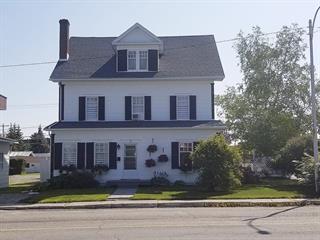 Maison à vendre à Amos, Abitibi-Témiscamingue, 122, Rue  Principale Nord, 20222659 - Centris.ca