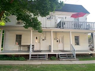 Triplex à vendre à Laval (Sainte-Rose), Laval, 101 - 105, Rue  Deslauriers, 27059831 - Centris.ca
