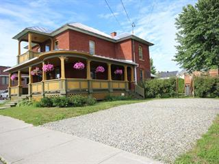 Maison à vendre à East Angus, Estrie, 110, Rue  Angus Nord, 25374204 - Centris.ca