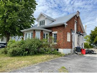 House for sale in Henryville, Montérégie, 121, Rue  Saint-Paul, 24440177 - Centris.ca