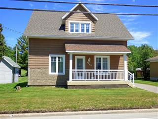 House for sale in Saguenay (Chicoutimi), Saguenay/Lac-Saint-Jean, 1680, boulevard  Sainte-Geneviève, 21016987 - Centris.ca
